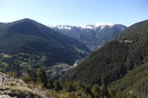 Vue panoramique du midi (sud) en montant par la soulane de Mereig.