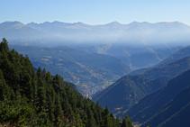 Nous profitons de vues spectaculaires sur La Massana et les montagnes du centre et du sud de l´Andorre.