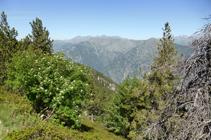 Vues sur la sierra d´Enclar depuis le chemin des Certeresos.