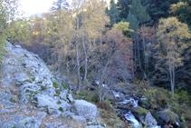 Nous remontons la vallée de la rivière de Perafita.