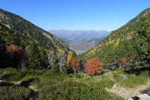 Vue vers l´arrière (nord-ouest) : la vallée de Perafita, par laquelle nous sommes montés.