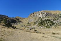 Le col de Prat Primer (ouest) depuis le refuge de Claror.