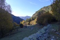 Nous descendons par le versant droit de la vallée de Madriu.