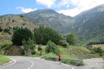 Nous montons sur plusieurs mètres par la route allant de Sant Julià de Lòria à Nagol, Certés et Llumeneres.