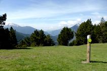 Panneau indiquant le chemin inter-paroissial du Tomb de Les Neres.