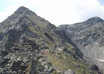 Après ce passage, nous observons la dernière rampe avant d´arriver au pic de Cataperdís.