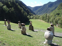 Le français Rachid Khimoune est l´auteur de ces sculptures.