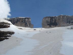 Pic du Taillon (3114 m) depuis la Br�che de Roland