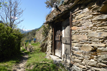 Des jardins sur le chemin de La Solana.